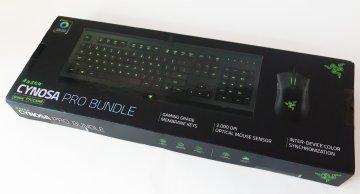 Коробка Razer Cynosa Pro Bundle.