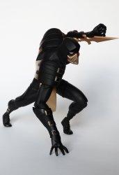 Скорпион косплеит Человека-Паука и смотрит.